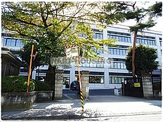 高校桐朋高等学校まで653m