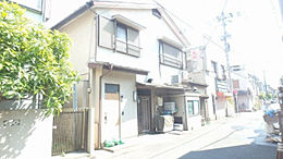 建築条件無しの本地。お好きなメーカーで建てられます。 閑静な住宅街です。