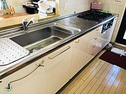 キッチン横にはサービスバルコニーを併設