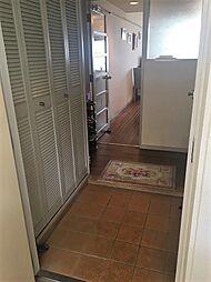玄関にはたっぷり収納できるシューズボックス付き。玄関をすっきり使えます。