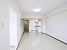 白を基調としたリビングはどんなテイストの家具も合わせやすく、明るい空間になっています。,3LDK,面積74.68m2,価格1,380万円,札幌市営南北線 平岸駅 徒歩1分,札幌市営南北線 中の島駅 徒歩8分,北海道札幌市豊平区平岸二条8丁目