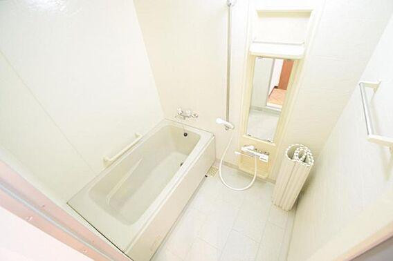 浴室です。浴槽...