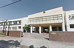 名古屋市立滝ノ水中学校 647m