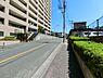 マンション前面道路です。,3LDK,面積85.06m2,価格2,680万円,京急本線 京急田浦駅 徒歩11分,,神奈川県横須賀市船越町6丁目