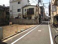 3、前面道路(有効敷地面積:156.46平米、前面道路:公道約5.04m)