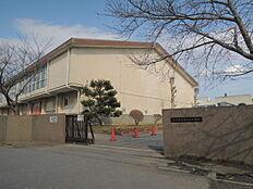 取手市立宮和田小学校まで600m、お子さまを育む学校が身近にあります。お子さまの通学も安心です。