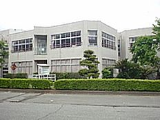 つくば市立栄小学校(1103m)