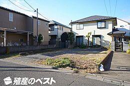 JR中央線「武蔵境」駅より徒歩約16分、住環境に配慮された第一種低層住居専用地域です。