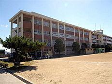 和歌山市立明和中学校まで1069m