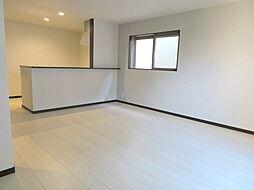 梅香2丁目 事務所兼住宅 3LDKの居間