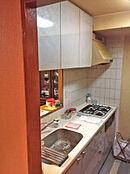 料理中も家族と触れ合える対面式キッチン