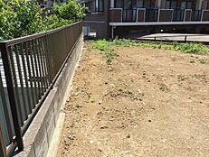 緑が多く残る町田市図師町。小学校まで徒歩10分。中学校まで徒歩9分。閑静な住宅街。周辺に公園多数あり。