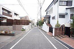 現地(古家あり)・前面道路写真