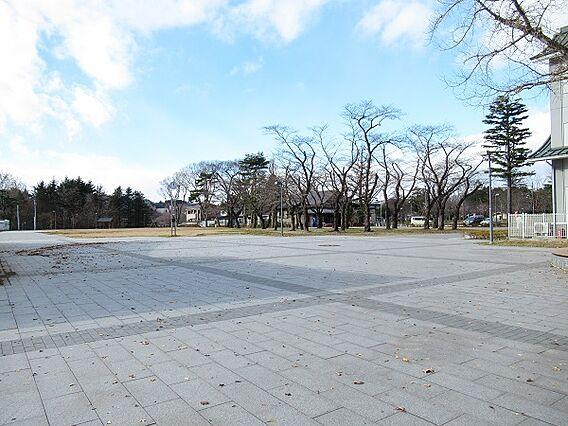 西公園へ徒歩1...