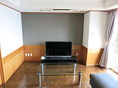 東南向きの開放感あふれるリビングダイニングは家具の配置等楽しめます。