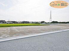明姫幹線近くの便利のいい立地です。