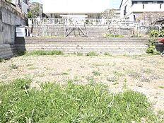土地面積は約235m2(約71坪)のゆとりの敷地。