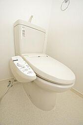 ウォシュレット機能付きトイレ。