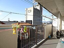 家族分の洗濯物やお布団もしっかり干せる南側バルコニー。(2019年2月15日撮影)