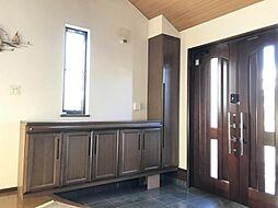 広々とした玄関。シューズボックスも完備