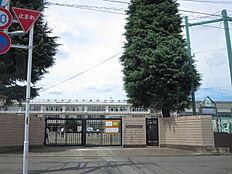 立川市立第四中学校まで1360m、最寄りの中学校です