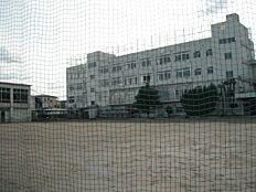中学校区立文林中学校まで614m