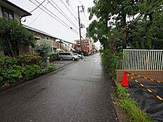 前面道路は5.4mです。