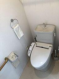 トイレは1階、2階にございます