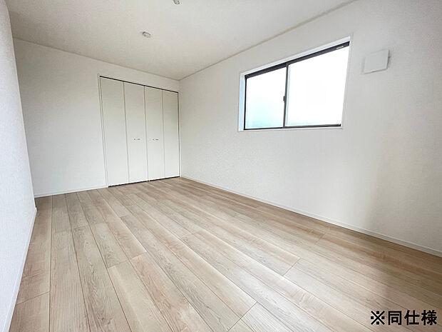 ※同仕様収納付きなので、お部屋をスッキリお使いいただけます。