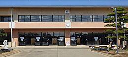 小学校茨城町立青葉小学校まで5454m