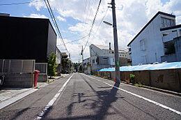前面道路(南西方向)