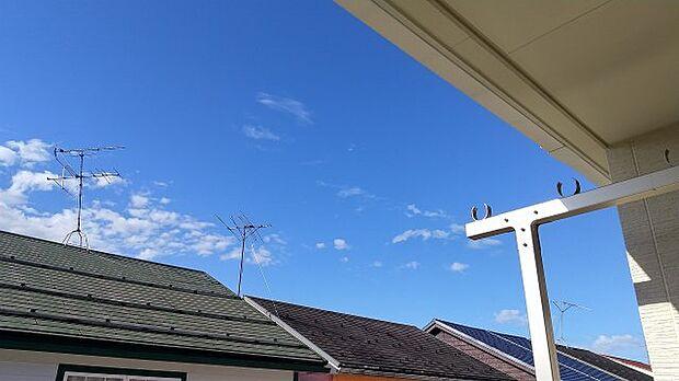 インナーバルコニーがあるので、洗濯スペースに大活躍!!晴れた日はご家族と爽やかな青空を楽しめます♪