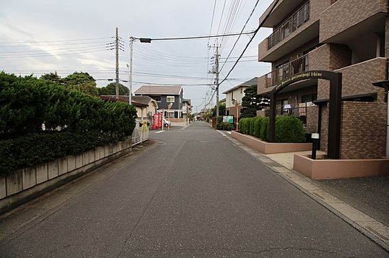 前面道路は歩道...