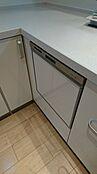 食洗器です。毎日の性格の中であったら便利な設備の一つです。