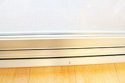 リビングダイニングの窓サッシはペアガラス