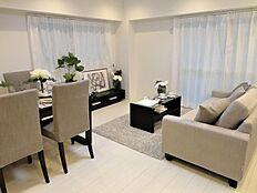 インテリアコーディネーター監修の家具付リビング