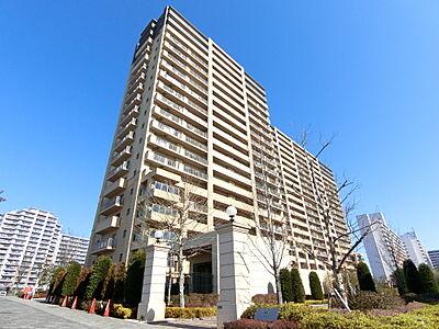 屋上には「スカイガーデン」を配置しております。地上20階、高さ約60mからの眺めることができます。