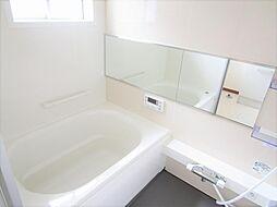 リフォーム済お風呂は新品のハウステック製のシステムバスに交換しました。自動湯張り・追い炊き機能付きで、いつでも温かいお湯につかれます。