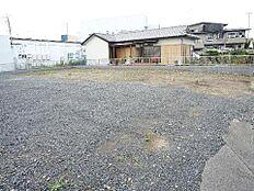 敷地面積は約141坪ございます。
