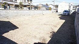 敷地面積は広々約86坪ございます。
