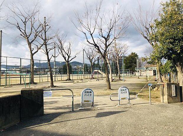 【公園】朱雀公園まで98m