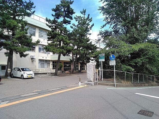 内野小学校 徒歩 約17分(約1300m)