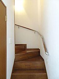 階段には手すりがついています。(2018年9月14日撮影)
