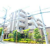 本物件は5階建ての鉄筋コンクリート造。