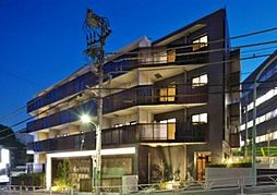 東京都渋谷区南平台町の賃貸マンションの外観
