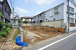 現地は建蔽率50%・容積率100%の一種低層住居専用地域ですので、通風良好。