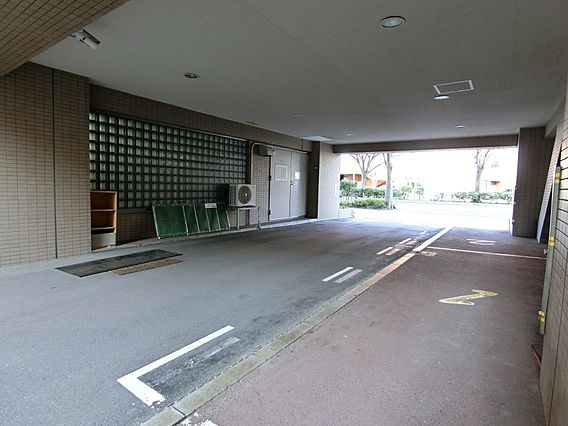 来客用の駐車場...