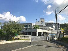 町田市立鶴川中学校まで2478m