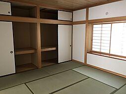 和室北側スペースたっぷりとした押し入れスペース