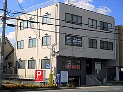 兵庫県川西市平野2丁目の賃貸マンションの外観